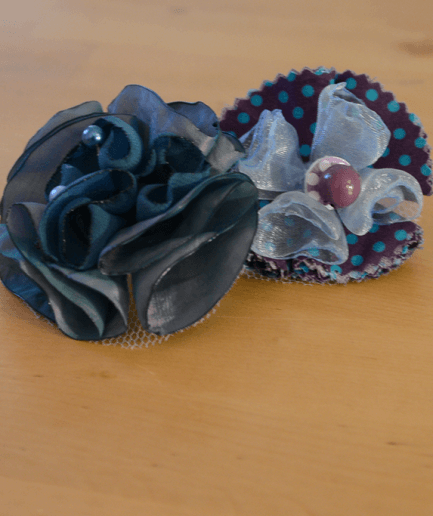 Duo-broche-epingle-mistinguette-bleu