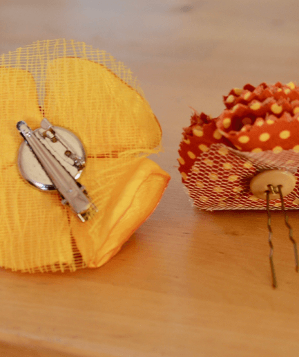 Duo-broche-epingle-mistinguette-orange-jaune
