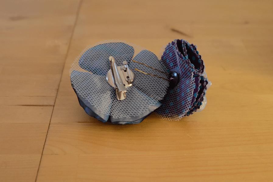Duo-broche-epingle-mistinguette-bleu