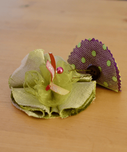 https://desmeresetdesfilles.fr/wp-content/uploads/2019/10/Duo-broche-epingle-mistinguette-vert-violet.png
