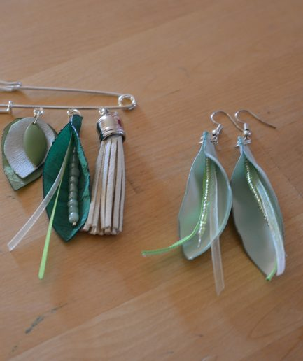 Duo-epingle-boucle-oreille-bleu-vert-idee-cadeau-bijoux-mere-fille
